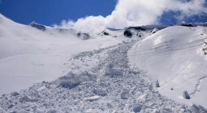 В Закарпатской области в лавину попала группа сноубордистов