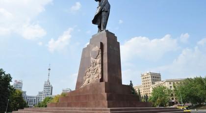 В Запорожской области демонтируют очередной памятник Ленину
