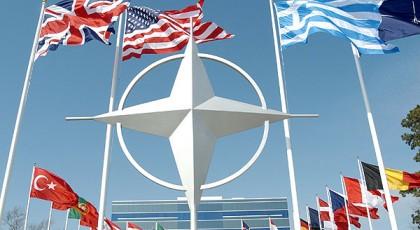 В НАТО не подтверждают отвода техники на Донбассе