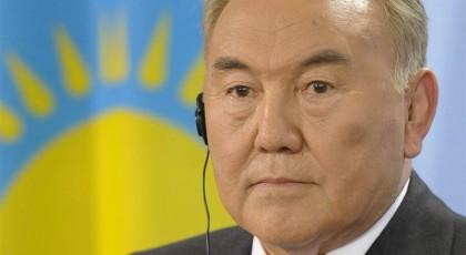 Назарбаев выступает против внешнего вмешательства в дела Украины