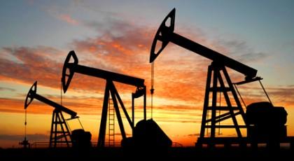 Цены на нефть ускорили падение